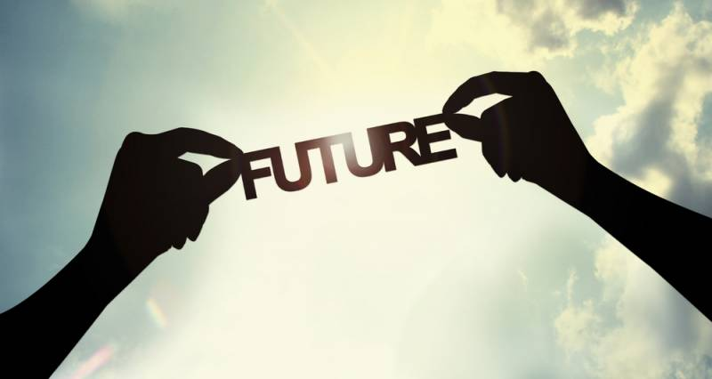 ნუ ენდობი შენი თავის მომავლის ვერსიას!